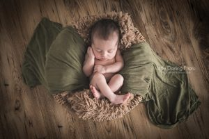 Santa Cruz newborn photograph