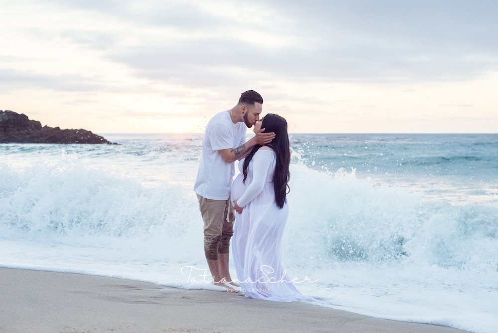 Maternity photographer in Carmel