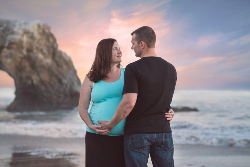 Sunset pregnancy photo in Santa Cruz