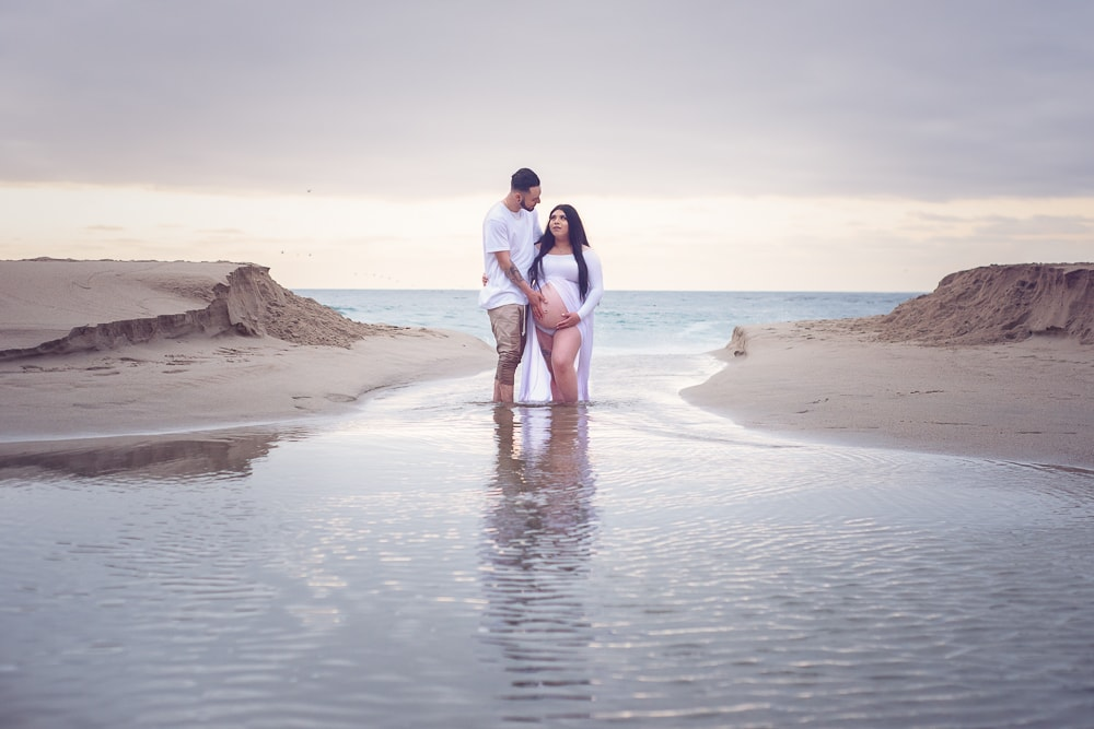 Beach maternity photo