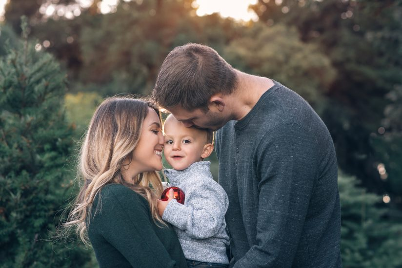 Christmas tree farm family photos